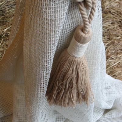 Декоративен пискюл за завеси с естествен вид